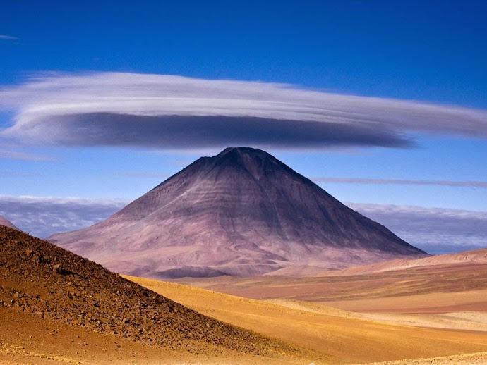 licancabur-volcano_10946_990x742
